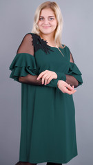 Юнона. Коктейльна сукня для жінок з пишними формами. Смарагд.
