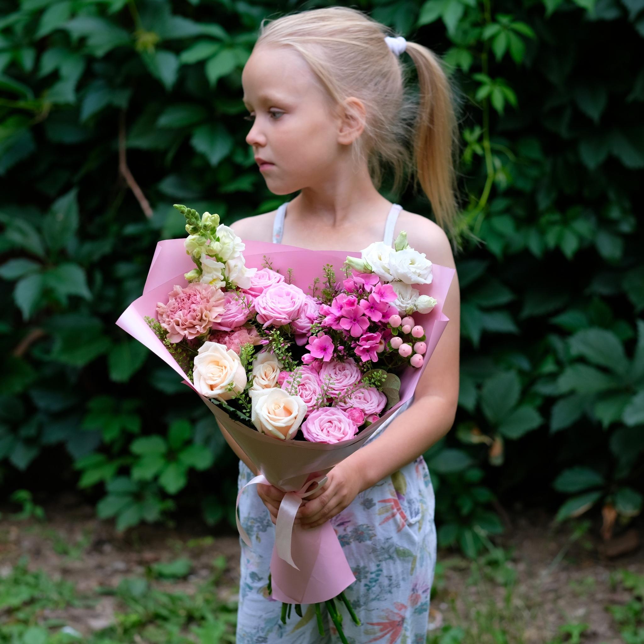Букет летний №8 с пионовидными розами