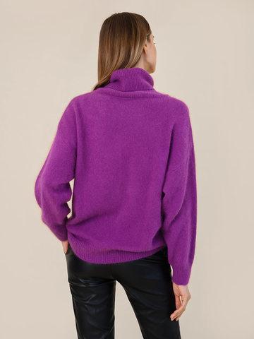 Женский свитер фиолетового цвета из ангоры - фото 4
