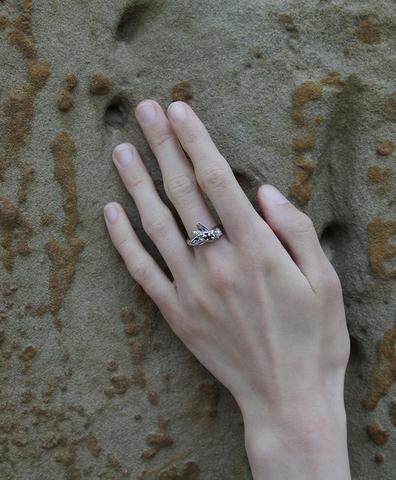 Кольцо Муха серебряное