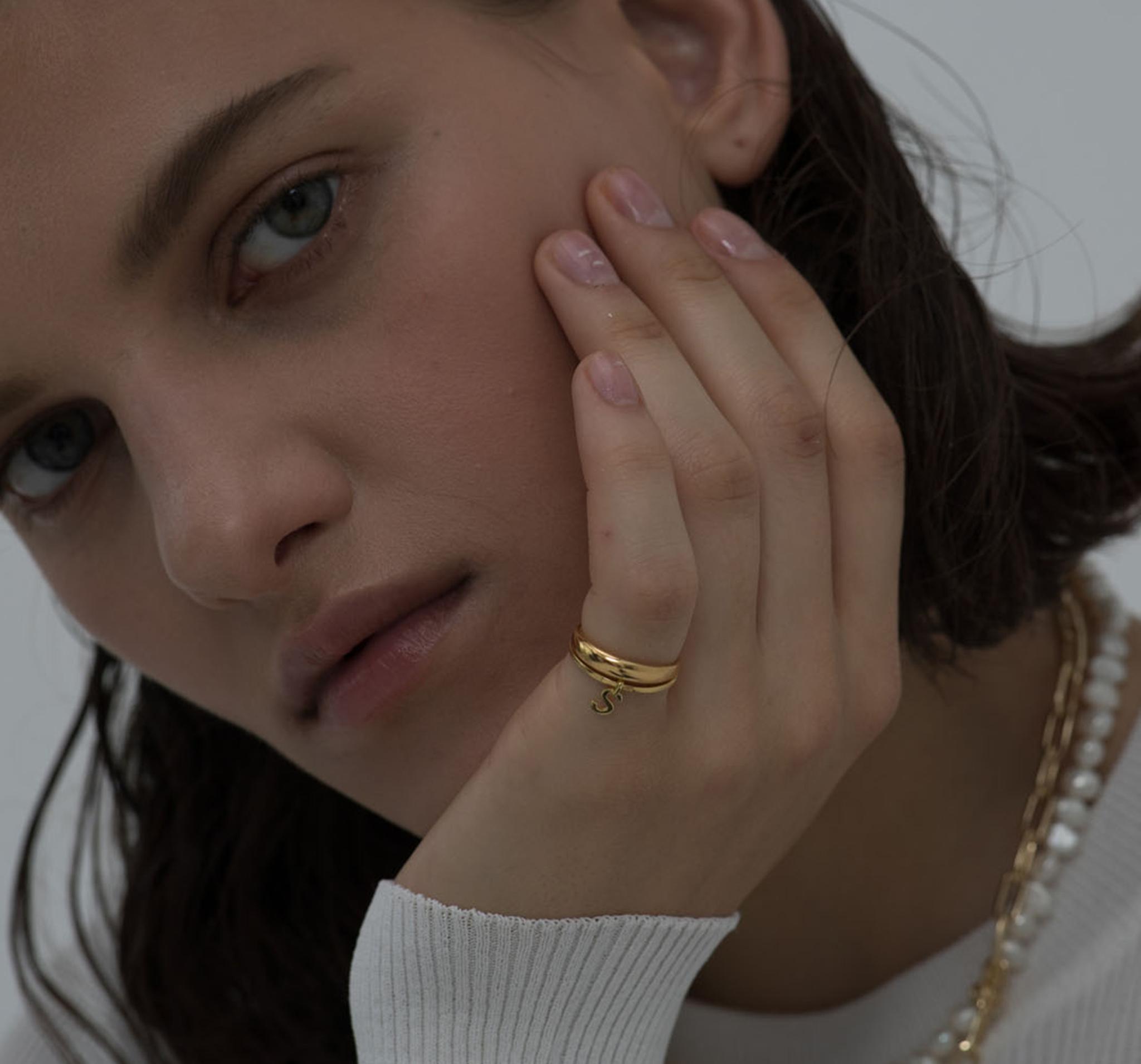 Лаконичное кольцо из позолоченного серебра от RINGSTONE