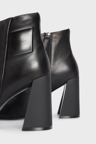 Женские черные кожаные ботильоны Chason PRPY