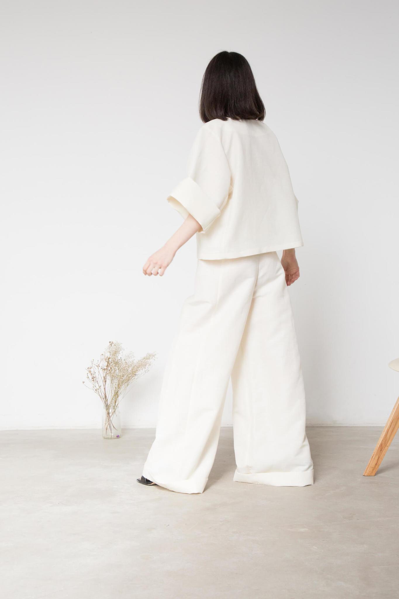 Широкие брюки-палаццо без боковых швов, молоко