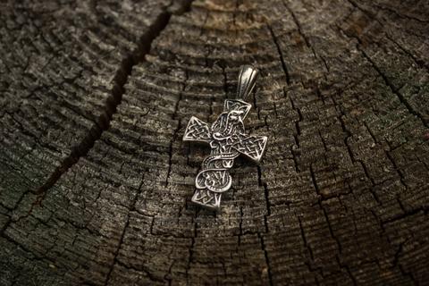 Крест со змеем