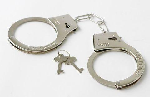 Серебристые наручники с ключиками
