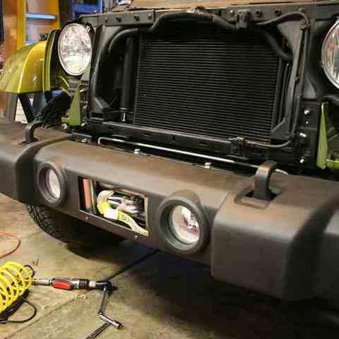 Установка лебедки Jeep Wrangler в штатный бампер
