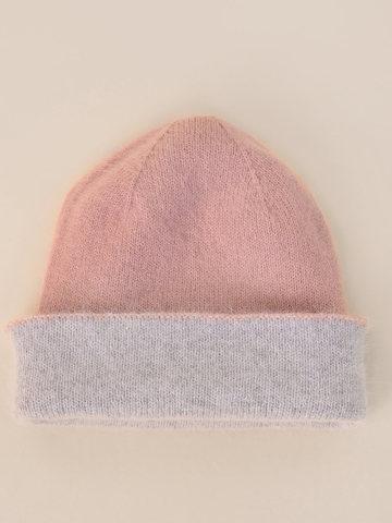 Женская шапка бежево-розового цвета из ангоры - фото 4