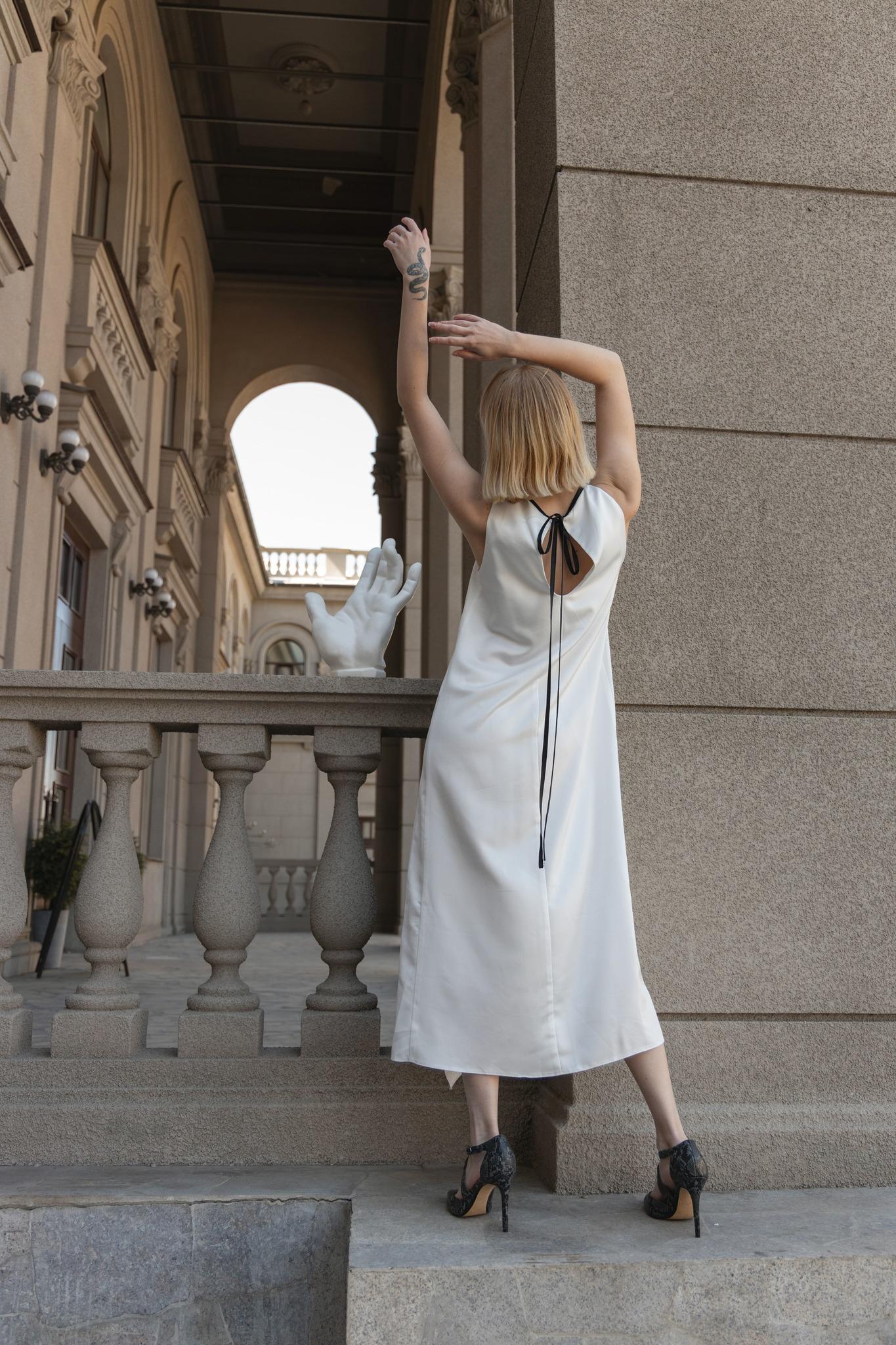 Платье с косточками на груди