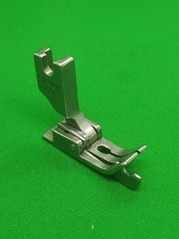 Лапка с ограничительным бортиком для отстрочки с подпружиненной левой половинкой SP18 L 1/8  (3.2mm) | Soliy.com.ua
