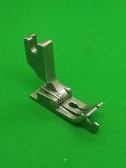 Фото: Лапка с ограничительным бортиком для отстрочки с подпружиненной левой половинкой SP18 L 1/8  (3.2mm)