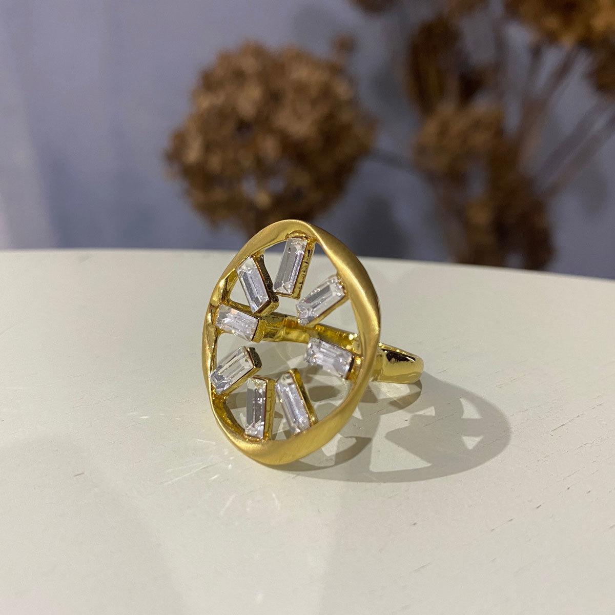 Кольцо Vi Саншайн золотой (фианит)