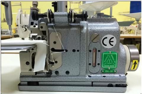 Трехниточный оверлок Inderle IDL-30 для обработки края шевронов и других нашивок | Soliy.com.ua
