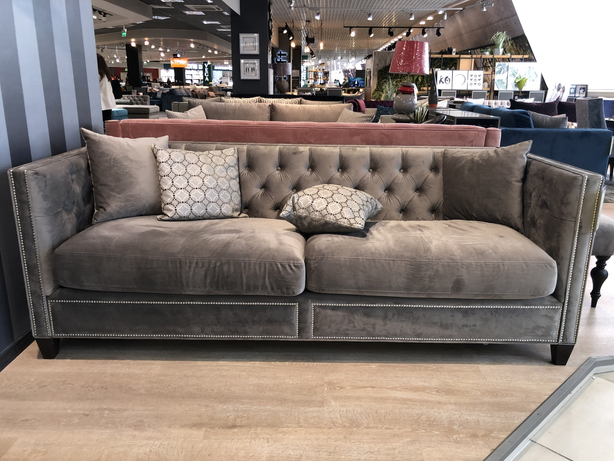 Прямой диван Salomon