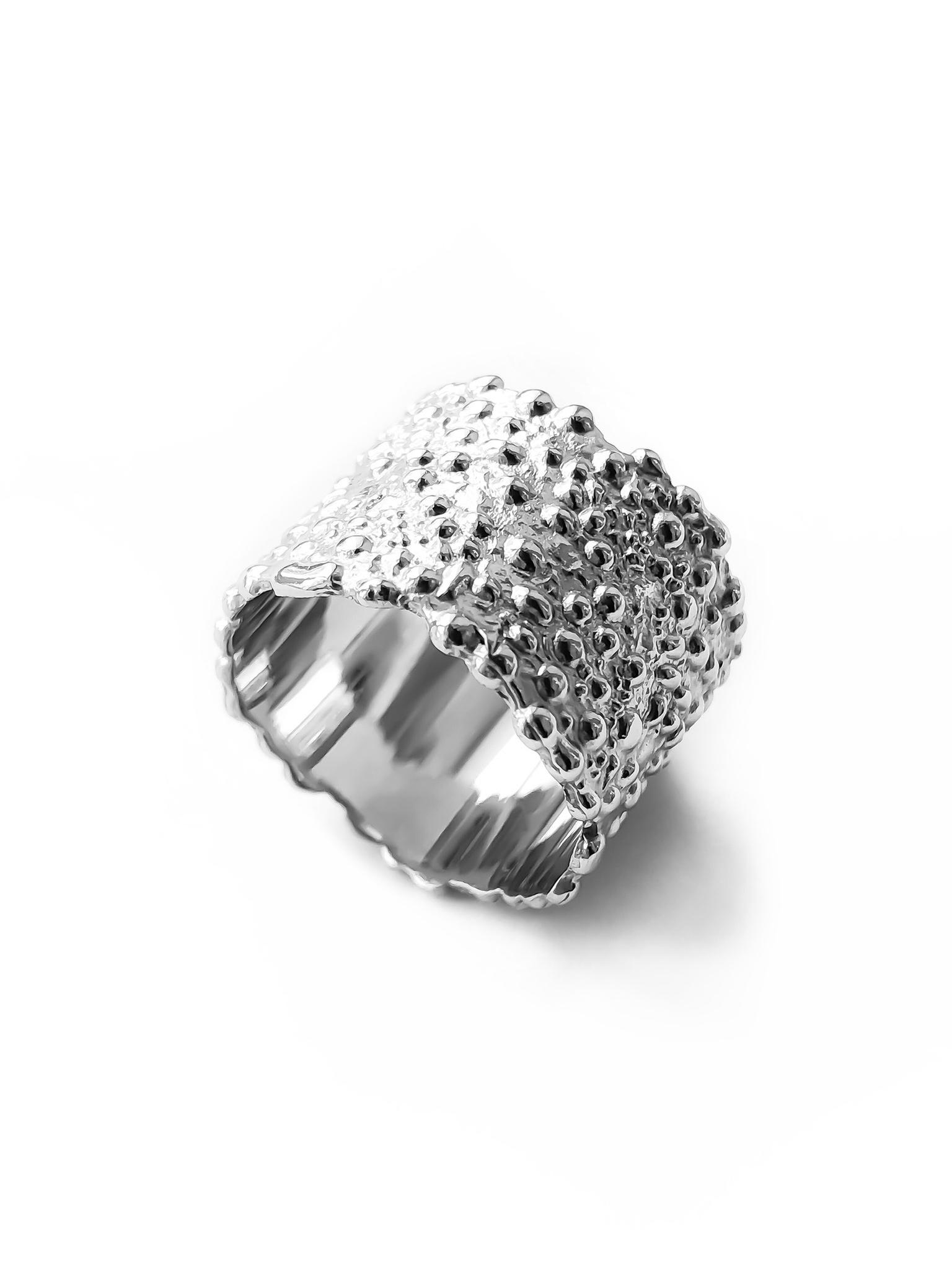 Серебряное широкое кольцо с пузырями