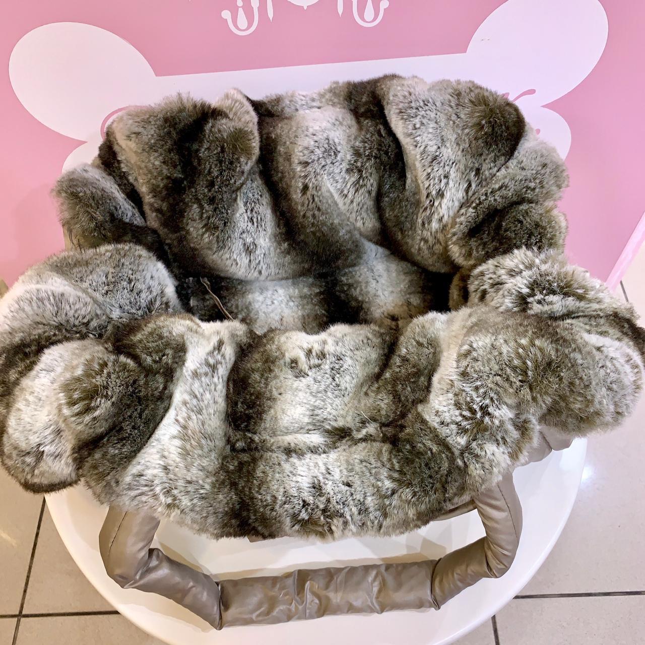 Красивая зимняя сумка для собак