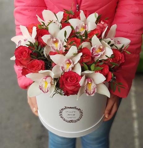 Коробка розы с орхидеей 10