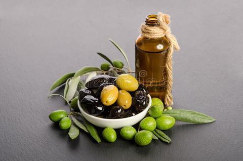 Оливки микс в оливковом масле  КОЛБАСЫ ИП БАБЕШКИНА 0,34кг