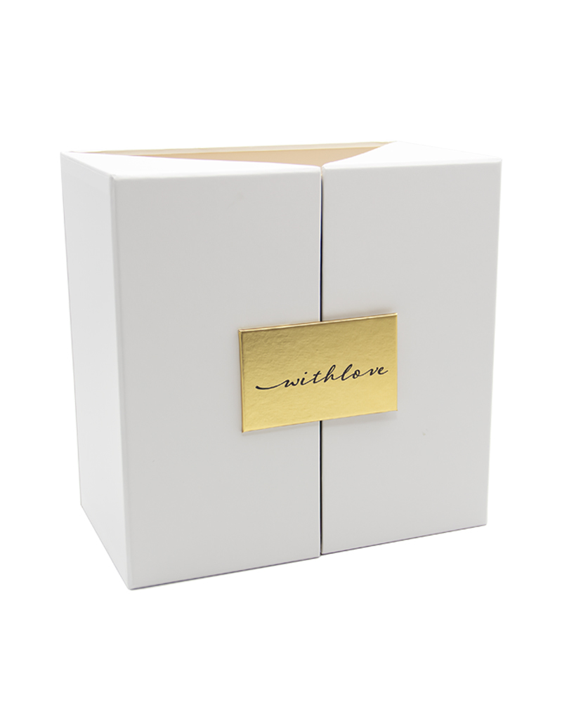 Шкатулка Белая с золотом 22 см*22 см*13 см