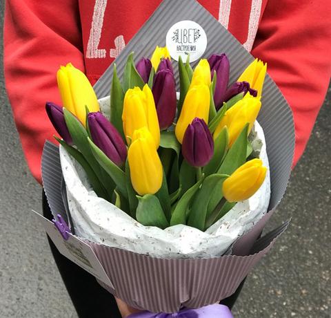 Букет из 17 тюльпанов