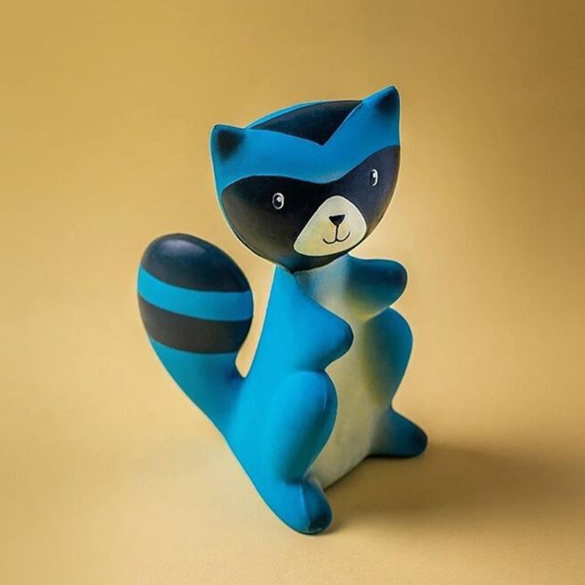 Игрушка-пищалка из натурального каучука Енот