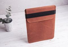 Коричневый вертикальный кожаный чехол Gmakin для MacBook