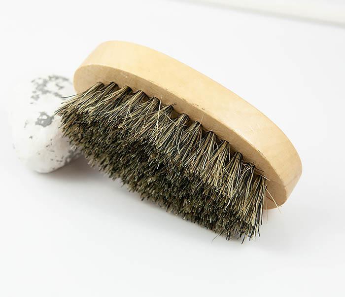 RAZ348 Деревянная щетка для бороды из щетины кабана фото 03