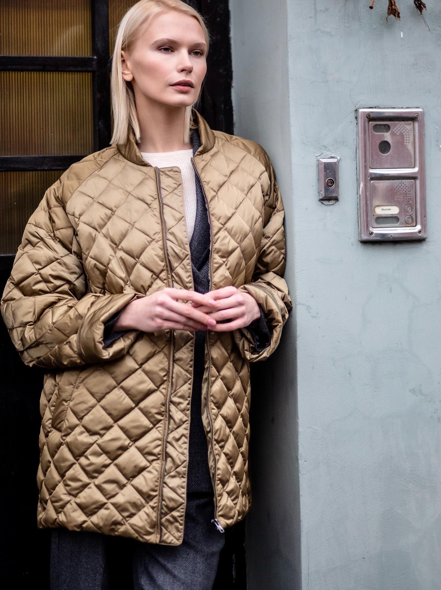 Стеганое пальто А-силуэта