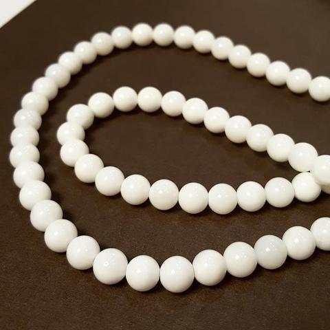 Бусины агат белый (имитация) глянцевый шар гладкий 6 мм