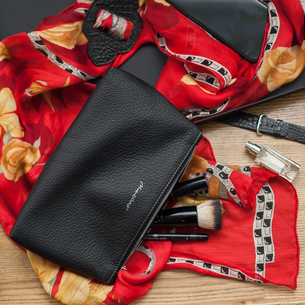 Женская косметичка Etoile Easy из натуральной кожи теленка, цвета черный мат
