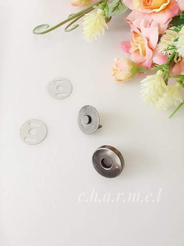 Кнопка магнитная диаметр 18 мм, черный