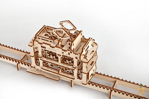 Трамвай с рельсами Ugears - Деревянный конструктор, сборная модель, 3D пазл