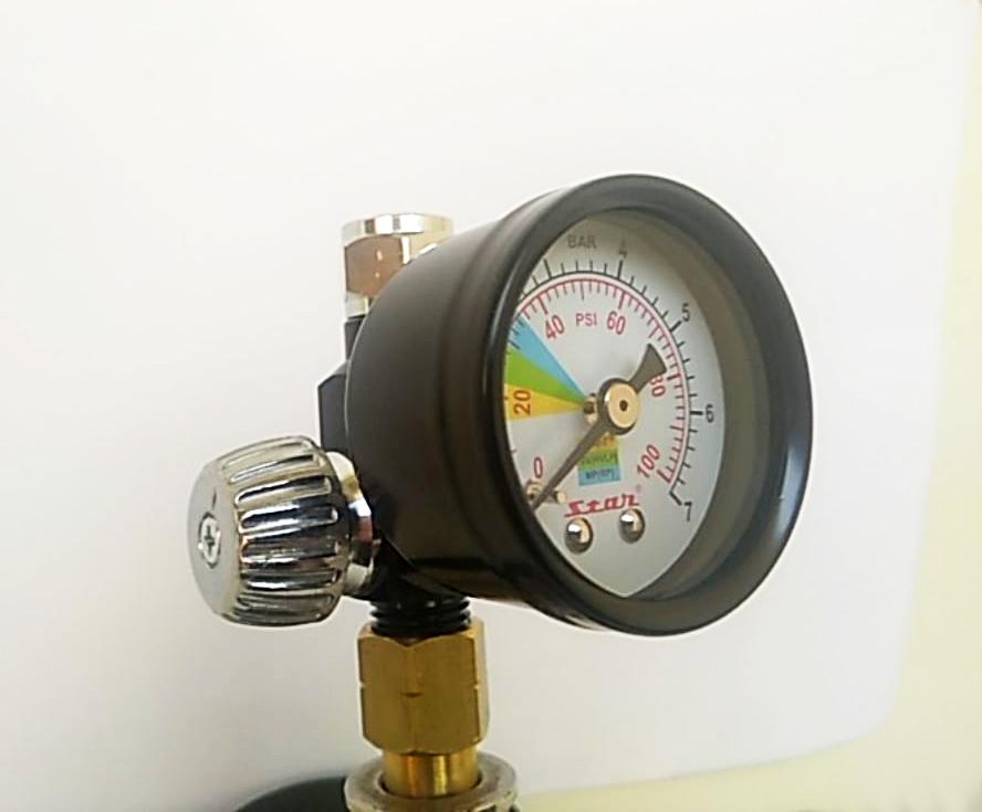 Регулятор давления с манометром STAR S 081 C