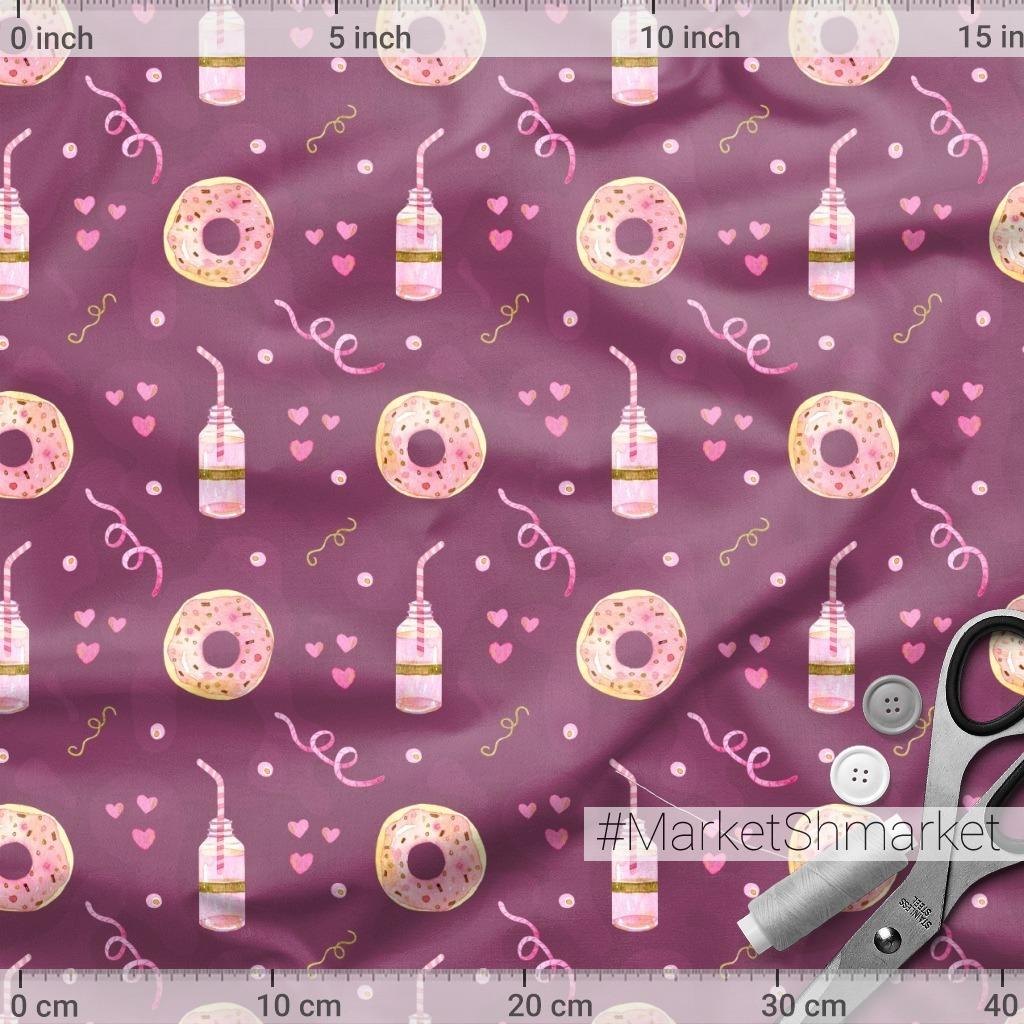 Пончики на фиолетовом фоне