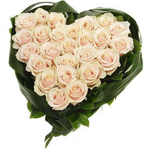 """Сердце из белых роз"""