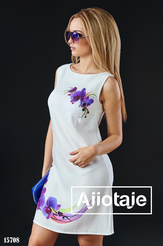 Белое льняное платье с орхидеями