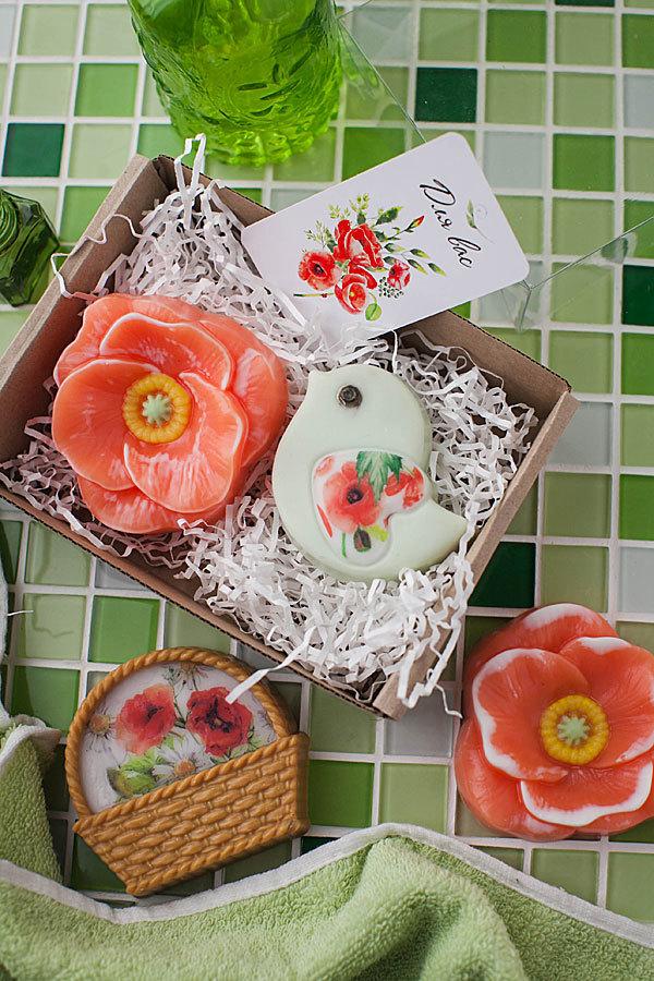 Мыло с цветами. Водорастворимая бумага Маки