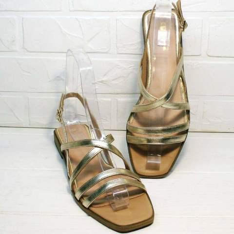 Кожаные сандали с тонкими ремешками. Золотые босоножки женские натуральная кожа. Босоножки на маленьком каблуке шлепки с квадратным носом Wollen-Gold.