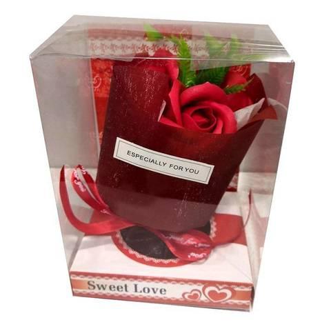 Букет из 3 мыльных роз на подставке красный