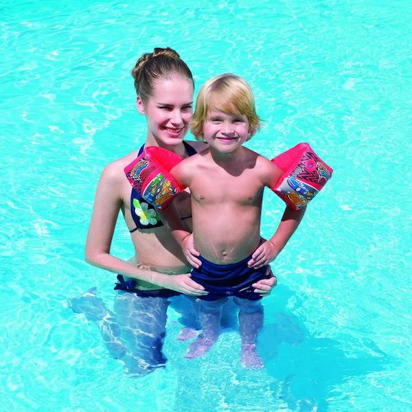 Научите своего ребенка плавать