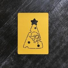 Мышка №57 в сырной ёлке