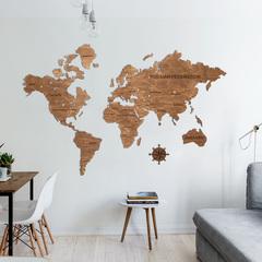 Карта Мира из дерева Brown фото в интерьере