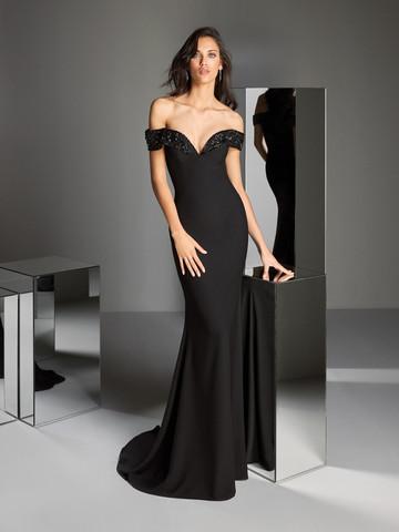 Вечернее платье классическое черное длиной в пол