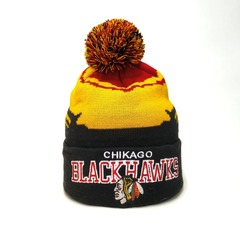 Вязаная шапка хоккей НХЛ Чикаго Блэкхокс (Hockey NHL Chicago Blackhawks) с помпоном