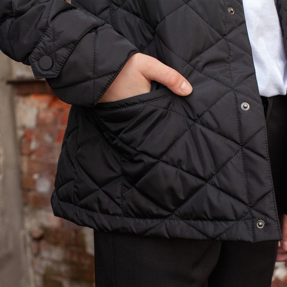 Демісезонна чорна куртка на підлітка хлопчика