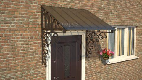 Кованый козырек №8 с бронзовым поликарбонатом над входной дверью