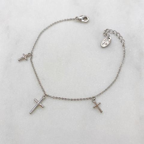Браслет-цепочка с подвесками-крестами (серебристый)