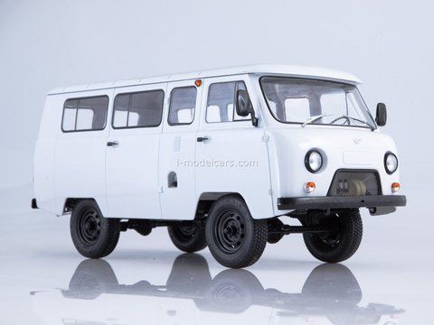 UAZ-2206 white 1:18 Start Scale Models (SSM)