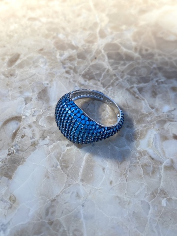 Кольцо Бурлеск из серебра с голубыми цирконами