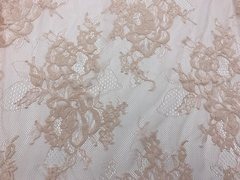 Кружевное полотно шантильи персиковый пион (1,5х3м)