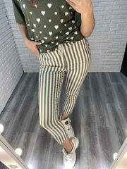 зеленые брюки в полоску nadya